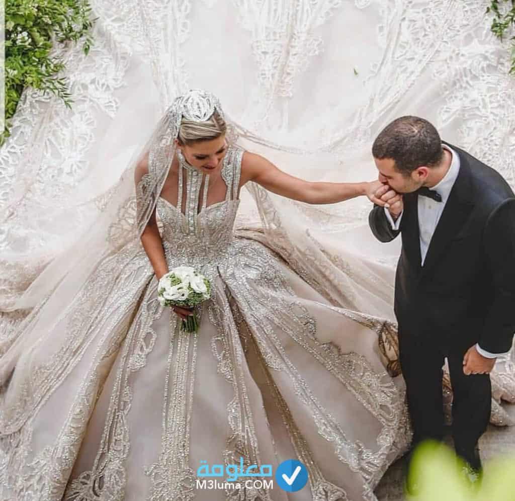 حلمت بزواج صديقتي العزباء